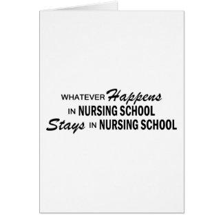 Lo que sucede - escuela de enfermería tarjeta de felicitación