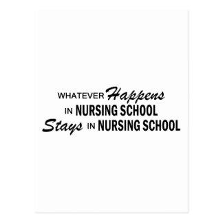 Lo que sucede - escuela de enfermería postales