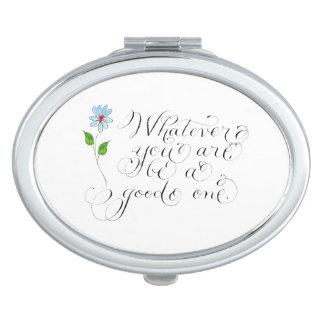 Lo que usted es cita del inspirtaional espejos de viaje
