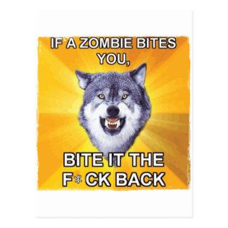 Lobo del valor contra zombis postales