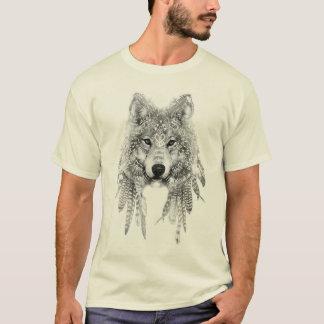 Lobo en camiseta indígena de la ropa