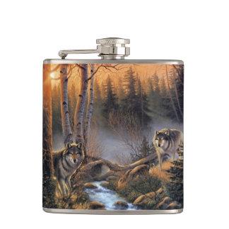 Lobos del bosque frasco envuelto vinilo de 6 onzas petaca