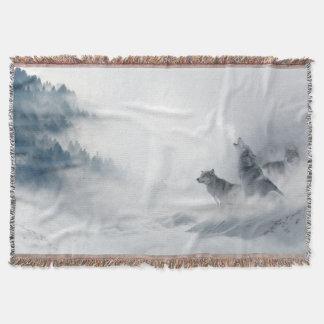 Lobos en la fantasía de la niebla manta