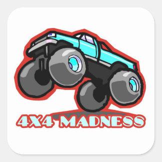 locura 4x4: Monster truck campo a través Colcomanias Cuadradas