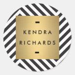 Logotipo blanco y negro retro del nombre del oro d etiquetas