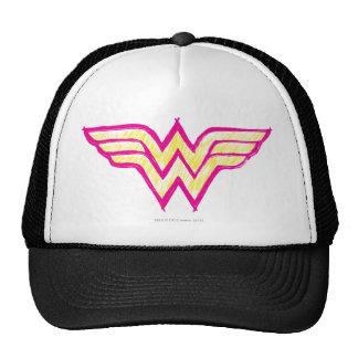 Logotipo rosado de la Mujer Maravilla y amarillo c Gorras De Camionero