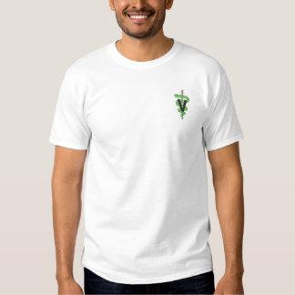 Logotipo veterinario camiseta bordada