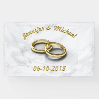 Lona Novia de la fecha del boda y anillos de oro