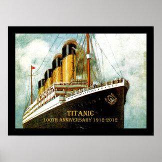 Lona titánica del aniversario del RMS 100a Póster