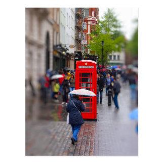 Londres típico - no olvide el paraguas postal