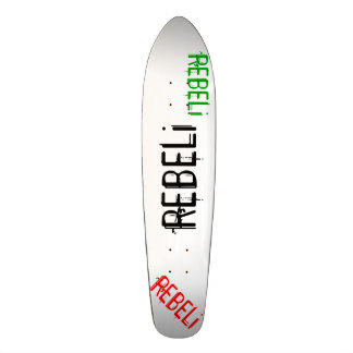"Longboard negro/rojo/verde del estilo de REBELi ""C Patineta Personalizada"