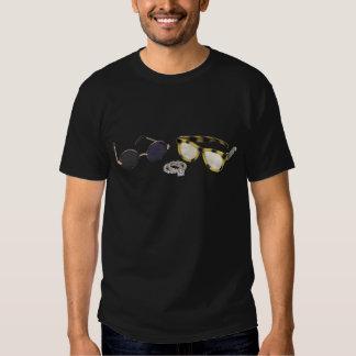 LookingForEngagementRing061809 Camiseta