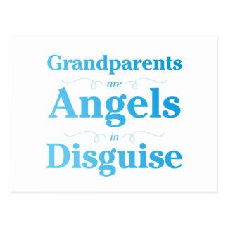 Los abuelos son ángeles en disfraz postal