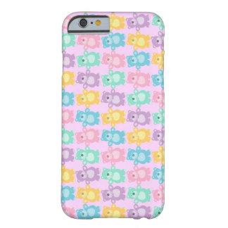 Los alegres osos bailarines de colores en rosa funda de iPhone 6 barely there
