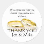 Los anillos de oro le agradecen los pegatinas del etiquetas redondas