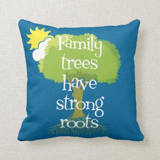 Los árboles de familia tienen raíces fuertes cojín decorativo