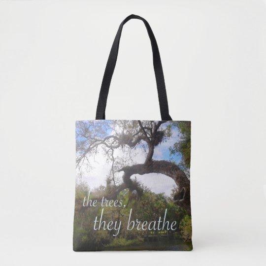 Los árboles respiran la bolsa de asas