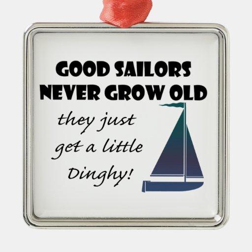 Los buenos marineros nunca crecen viejos, el decir ornamentos de navidad