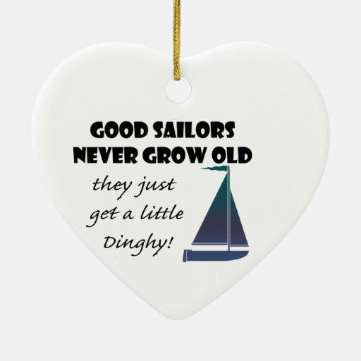 Los buenos marineros nunca crecen viejos, el decir adornos de navidad