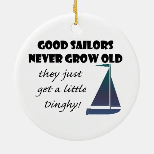 Los buenos marineros nunca crecen viejos, el decir adornos