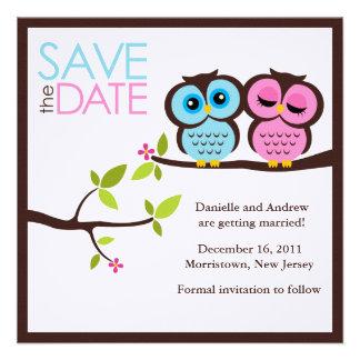 Los búhos preciosos ahorran las invitaciones de la comunicado