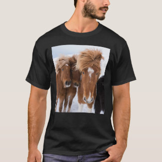 Los caballos islandeses nuzzle, Islandia Camiseta