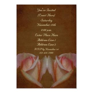 Los capullos de rosa rosados en Brown envejecido Invitación 12,7 X 17,8 Cm