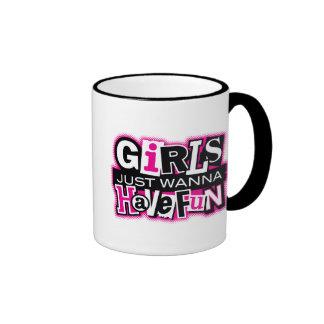 Los chicas se divierten taza a dos colores