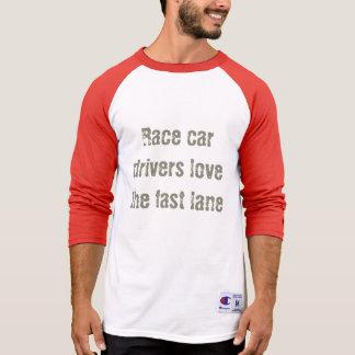 Los conductores de coche de carreras aman la camiseta