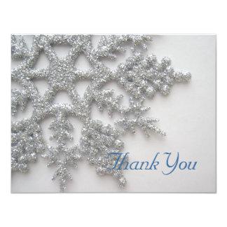 Los copos de nieve de plata le agradecen cardar invitación 10,8 x 13,9 cm