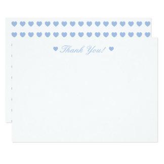 Los corazones azules claros le agradecen tarjeta