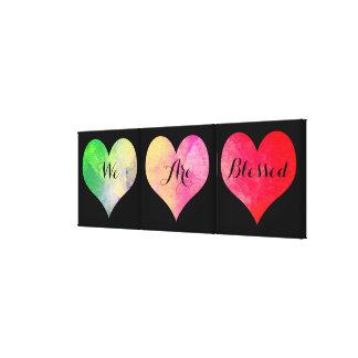 Los corazones coloridos de la acuarela con impresión en lienzo
