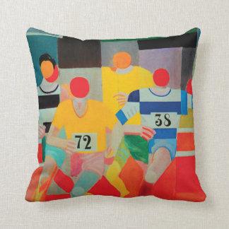 Los corredores de Roberto Delaunay Cojín Decorativo