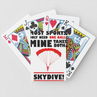 los deportes y skydive, mina toma ambos baraja de cartas bicycle