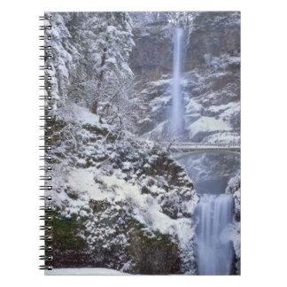 Los E.E.U.U., Oregon, garganta del río Columbia Libreta