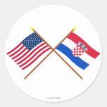Los E.E.U.U. y banderas cruzadas Croacia Etiquetas Redondas