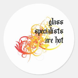 Los especialistas de cristal son calientes pegatina redonda