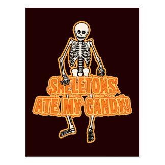 Los esqueletos comieron mi caramelo postal