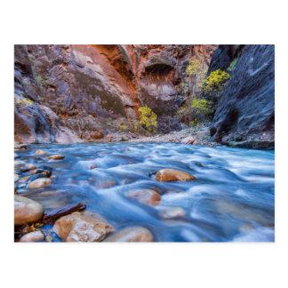 Los estrechos del río de la Virgen en el otoño 3 Postal