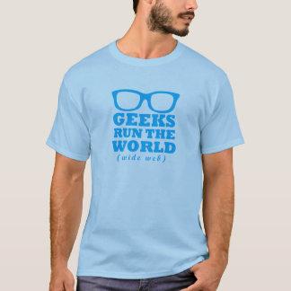 Los frikis funcionan con el mundo (la tela amplia) camiseta