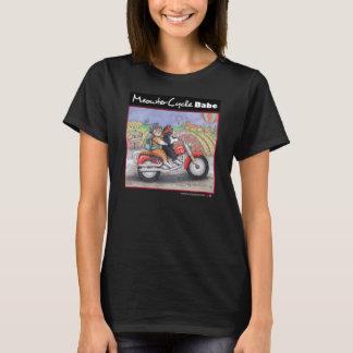 Los gatos de la motocicleta multan la camiseta del