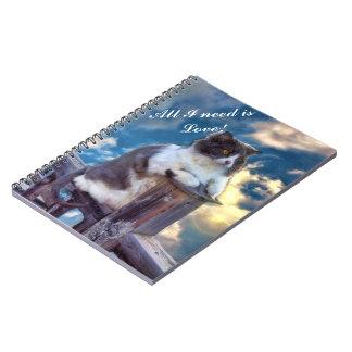 """Los """"gatos necesitan cuaderno del amor"""""""