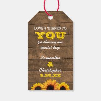 Los girasoles y el boda del oro de Barnwood le Etiquetas Para Regalos