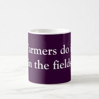 Los granjeros lo hacen taza básica blanca