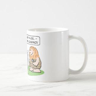 Los hombres de las cavernas inventan la rueda, taza de café