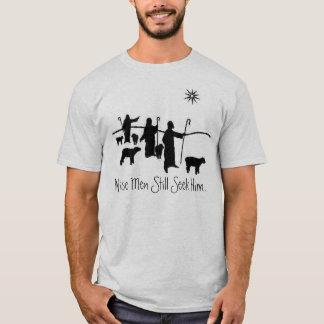 Los hombres sabios todavía lo buscan… camiseta