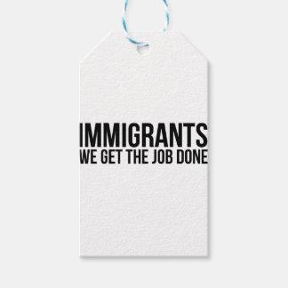 Los inmigrantes que conseguimos el trabajo hecho etiquetas para regalos