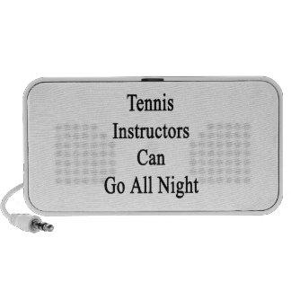 Los instructores del tenis pueden ir toda la noche mini altavoces