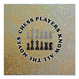 Los jugadores de ajedrez divertidos saben todos invitación 13,3 cm x 13,3cm
