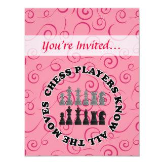 Los jugadores de ajedrez divertidos saben todos invitación 10,8 x 13,9 cm